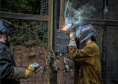 RCC Welding Students Fulfill Tall Order for North Carolina Zoo
