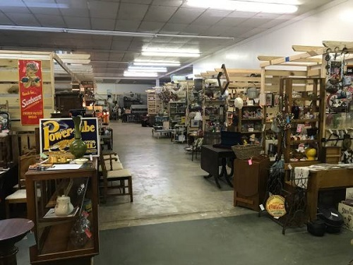 Blue Horseshoe Antiques & Collectibles